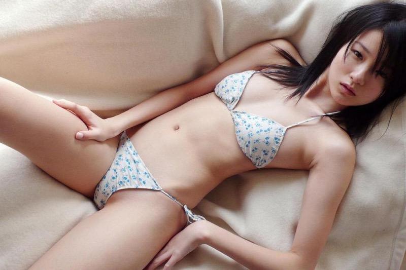 【しほの涼グラビア画像】美少女エロアニメ「くりいむレモン」で亜美役を演じたジュニアアイドルの現在は?