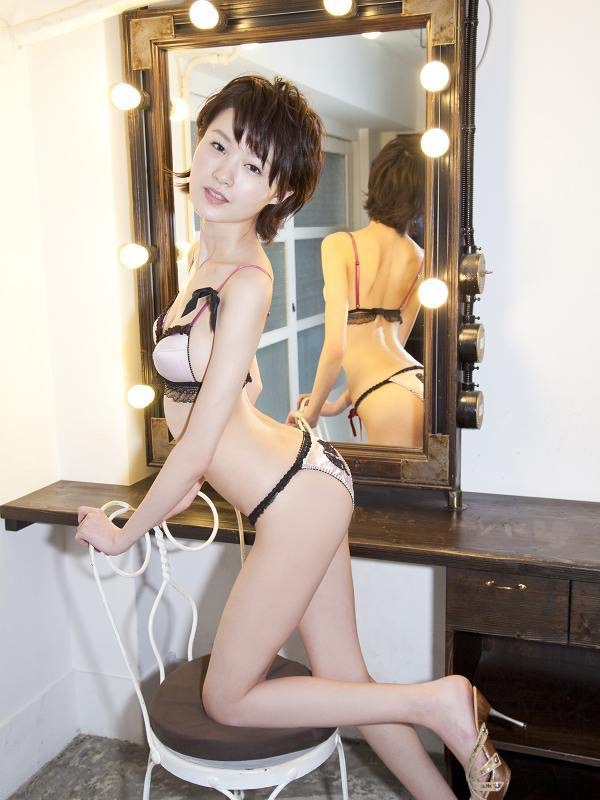 【しほの涼グラビア画像】美少女エロアニメ「くりいむレモン」で亜美役を演じたジュニアアイドルの現在は? 23