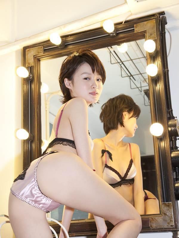 【しほの涼グラビア画像】美少女エロアニメ「くりいむレモン」で亜美役を演じたジュニアアイドルの現在は? 40