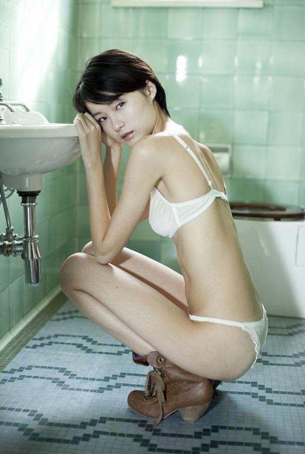 【しほの涼グラビア画像】美少女エロアニメ「くりいむレモン」で亜美役を演じたジュニアアイドルの現在は? 63