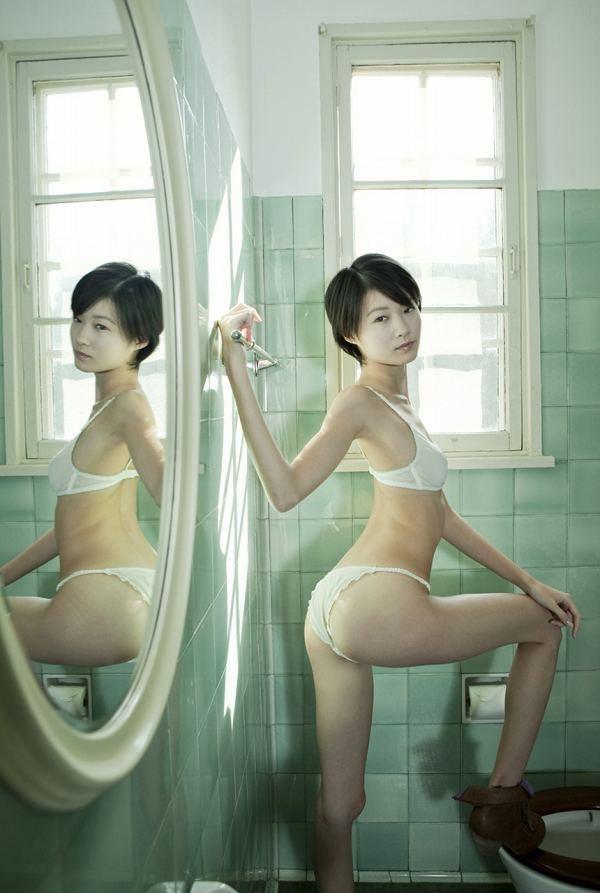 【しほの涼グラビア画像】美少女エロアニメ「くりいむレモン」で亜美役を演じたジュニアアイドルの現在は? 64