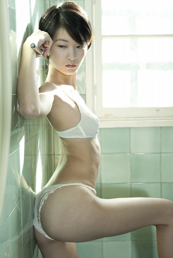 【しほの涼グラビア画像】美少女エロアニメ「くりいむレモン」で亜美役を演じたジュニアアイドルの現在は? 65