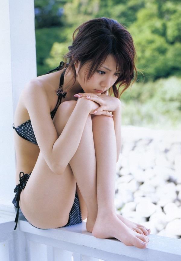 【田中れいなグラビア画像】13歳でモー娘アイドルになった女の子が披露したちょっとエッチなビキニ姿 30