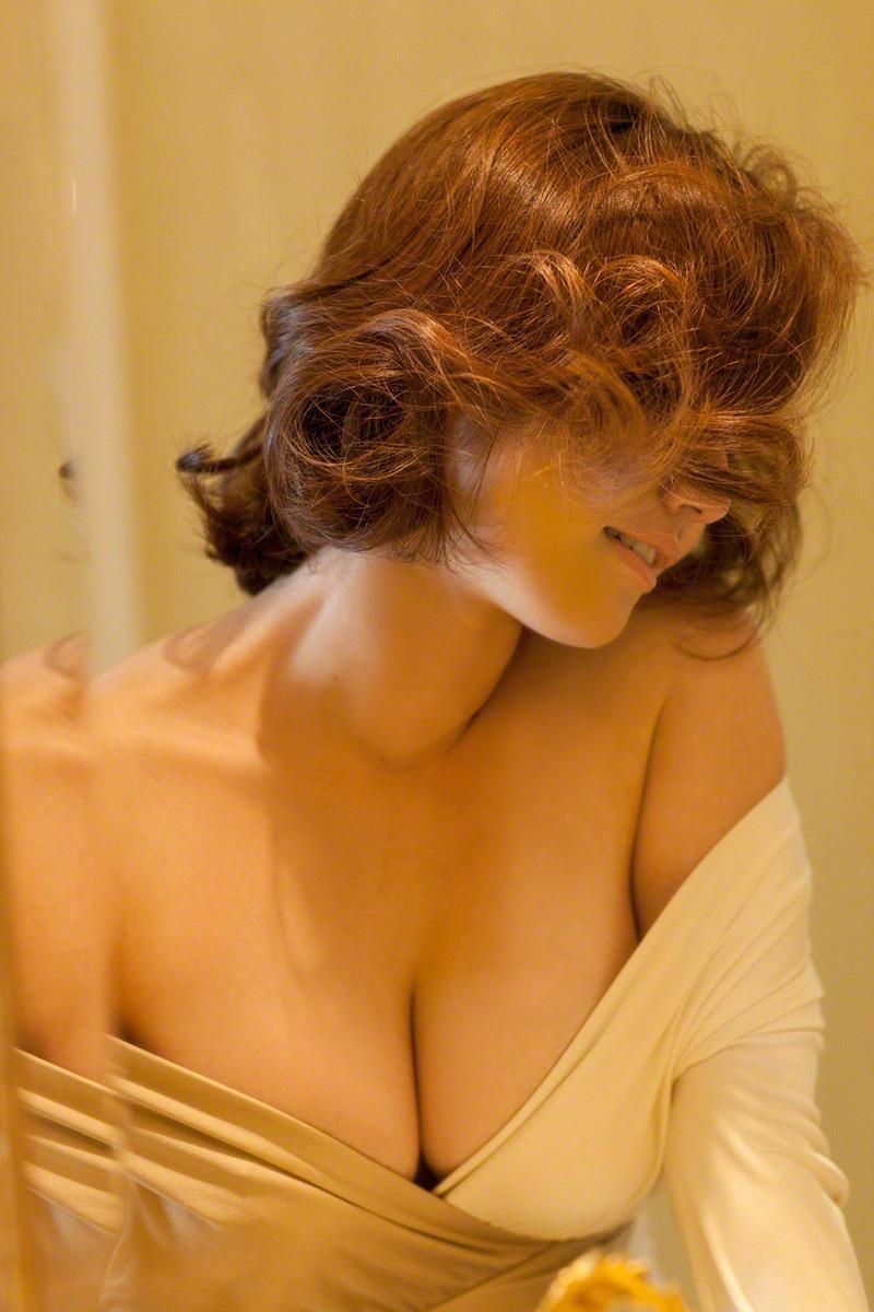 【磯山さやかグラビア画像】アラフォーだけど綺麗でエロい美熟女グラドルが2年振りにグラビア撮ったって! 17