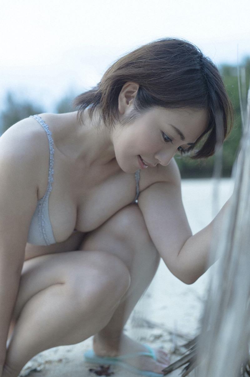 【磯山さやかグラビア画像】アラフォーだけど綺麗でエロい美熟女グラドルが2年振りにグラビア撮ったって! 38