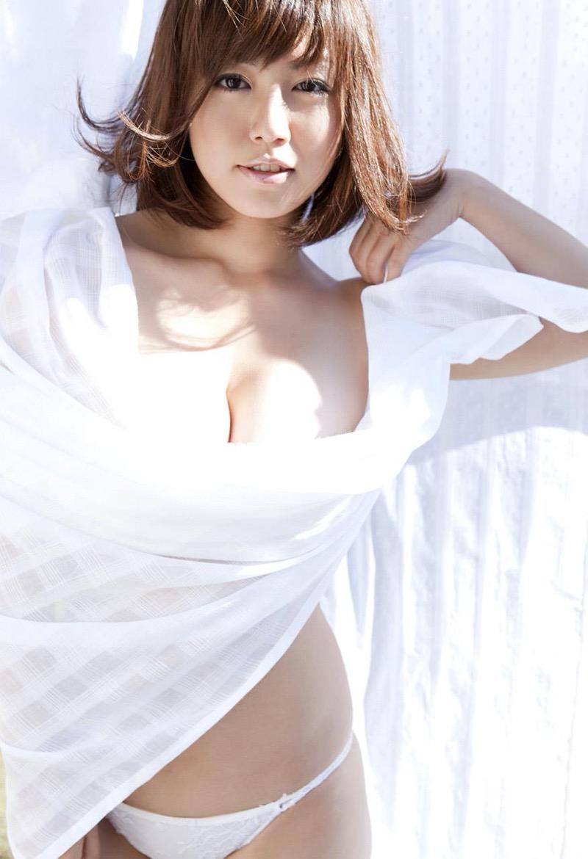 【磯山さやかグラビア画像】アラフォーだけど綺麗でエロい美熟女グラドルが2年振りにグラビア撮ったって! 46