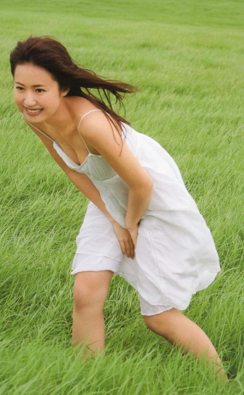 【衛藤美彩エロ画像】アイドルを卒業してプロ野球選手と結婚を決めた後に写真集を出すってマジかwwww 39