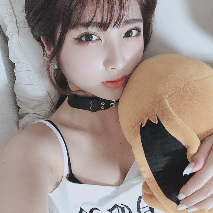 【ゲーマーグラドル画像】ゲームが好きで美少女キャラコスプレもヤっちゃう激しこグラビアアイドル! 43