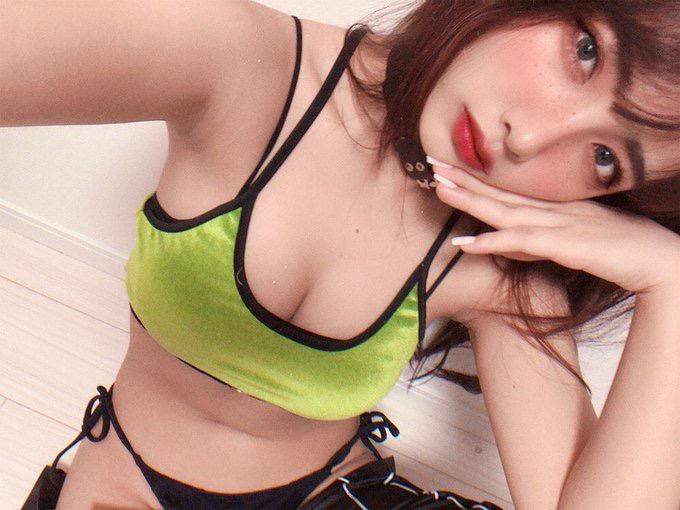 【ゲーマーグラドル画像】ゲームが好きで美少女キャラコスプレもヤっちゃう激しこグラビアアイドル! 52