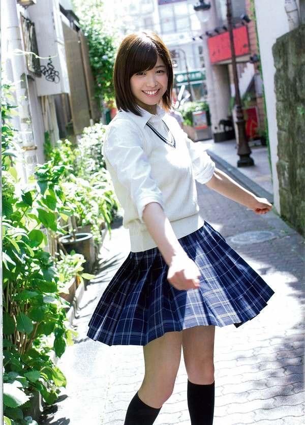【渡邉理佐グラビア画像】可愛さと大人っぽさを合わせ持つ櫻坂46アイドルのセクシーなビキニ姿がエロい 10