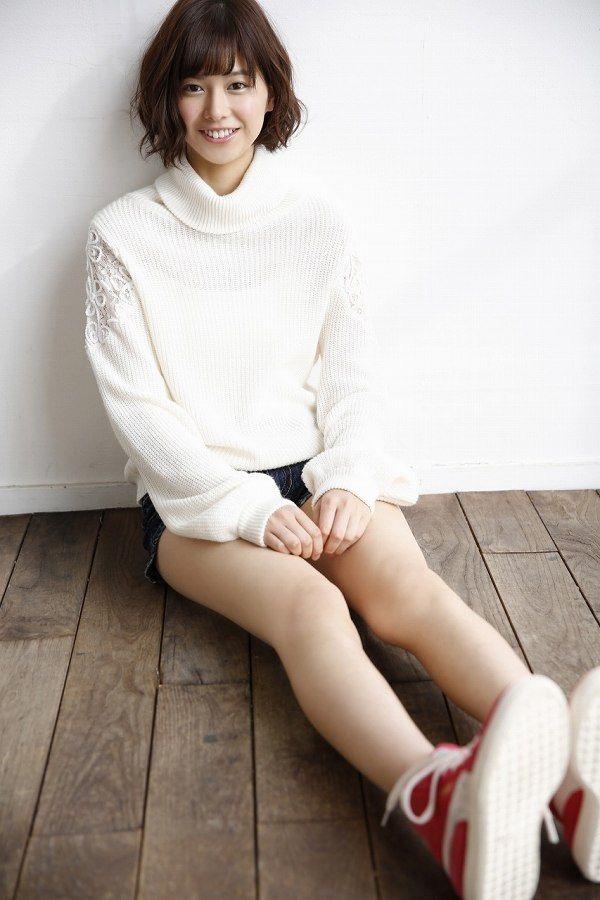 【渡邉理佐グラビア画像】可愛さと大人っぽさを合わせ持つ櫻坂46アイドルのセクシーなビキニ姿がエロい 17