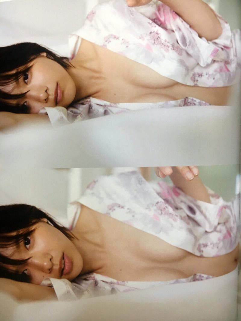 【渡邉理佐グラビア画像】可愛さと大人っぽさを合わせ持つ櫻坂46アイドルのセクシーなビキニ姿がエロい 37