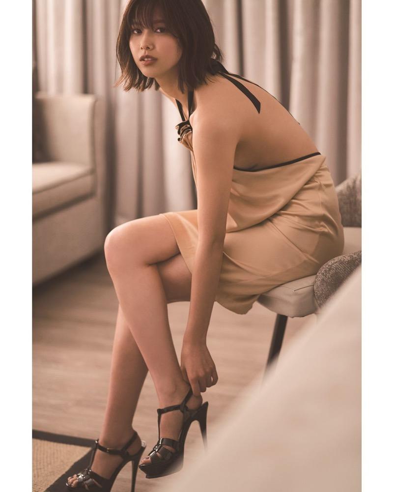 【渡邉理佐グラビア画像】可愛さと大人っぽさを合わせ持つ櫻坂46アイドルのセクシーなビキニ姿がエロい 42