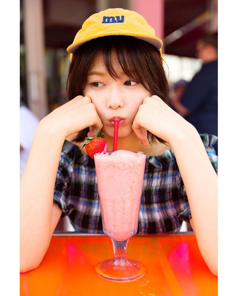 【渡邉理佐グラビア画像】可愛さと大人っぽさを合わせ持つ櫻坂46アイドルのセクシーなビキニ姿がエロい 43