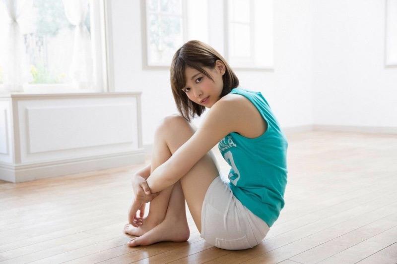 【渡邉理佐グラビア画像】可愛さと大人っぽさを合わせ持つ櫻坂46アイドルのセクシーなビキニ姿がエロい 70