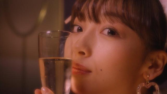【華村あすかキャプ画像】可愛さだけじゃなく綺麗でエロいスレンダーボディも見逃せない美少女グラドル 54
