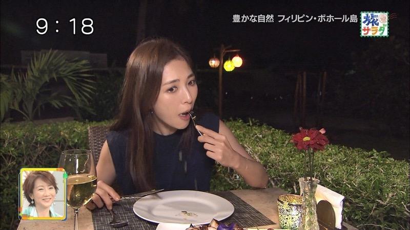 【放送事故フェラ画像】明らかにチンポをしゃぶってる事を妄想しながら食レポしてる女子アナwwww 08