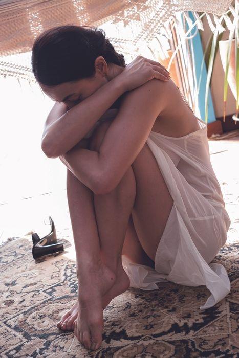 【長谷川京子エロ画像】芸歴20年超えのセクシーな美熟女が魅せるセクシーなグラビアや濡れ場シーン 11