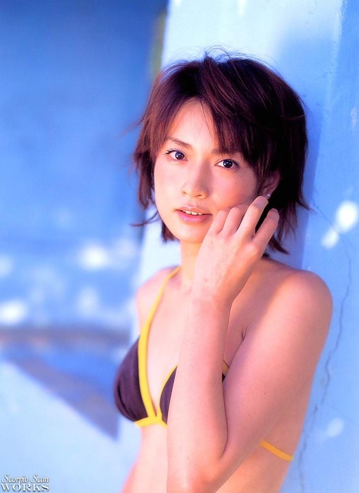 【長谷川京子エロ画像】芸歴20年超えのセクシーな美熟女が魅せるセクシーなグラビアや濡れ場シーン 35