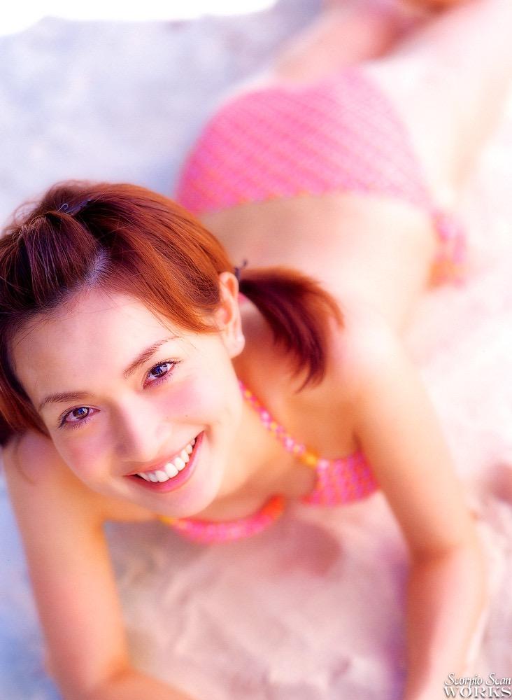 【長谷川京子エロ画像】芸歴20年超えのセクシーな美熟女が魅せるセクシーなグラビアや濡れ場シーン 38