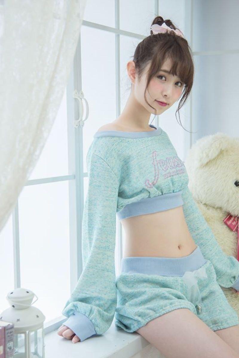 【寝間着エロ画像】彼女がこんなエッチな格好でベッドに居たら即セックスするわwwww 47