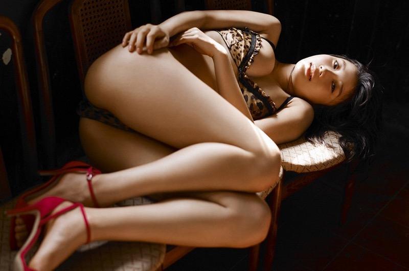 【小倉優香水着画像】セクシーなグラビアを見せてくれているリアル峰不二子が卒業するってマジ!? 100