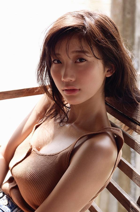 【小倉優香水着画像】セクシーなグラビアを見せてくれているリアル峰不二子が卒業するってマジ!? 36