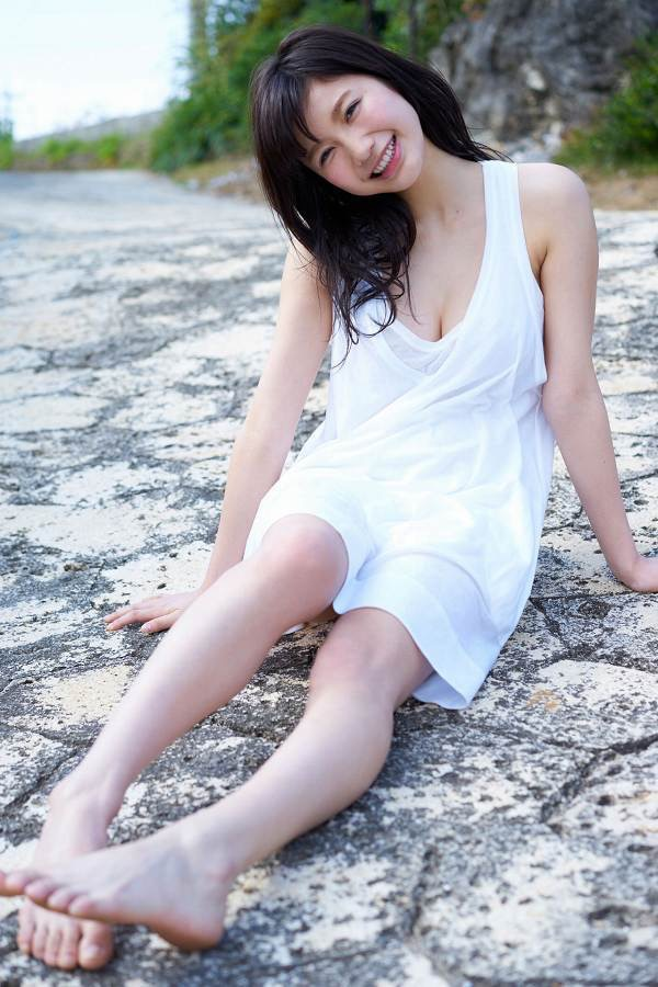 【小倉優香水着画像】セクシーなグラビアを見せてくれているリアル峰不二子が卒業するってマジ!? 51