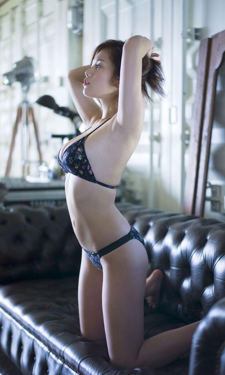 【筧美和子グラビア画像】日本人らしい形のFカップが最高にエロくてパイズリしたくなるメチャシコモデル 21