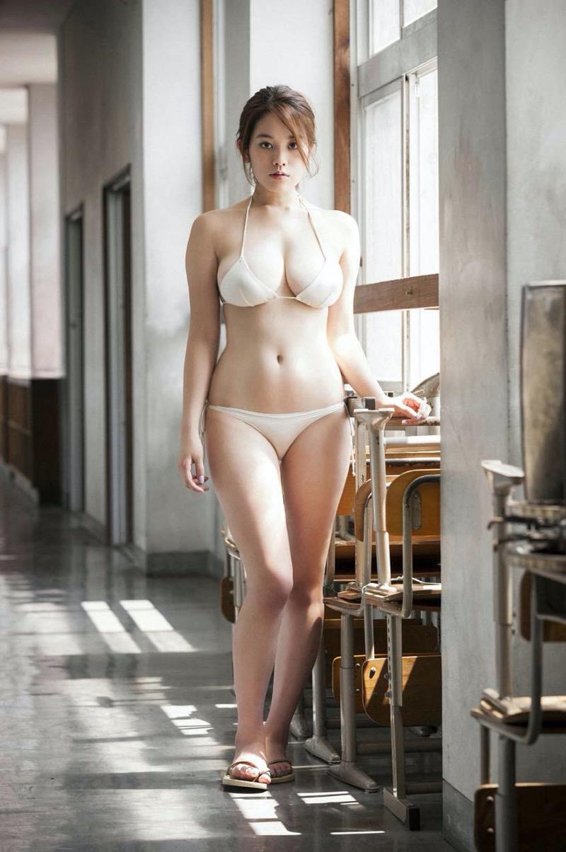 【筧美和子グラビア画像】日本人らしい形のFカップが最高にエロくてパイズリしたくなるメチャシコモデル 38