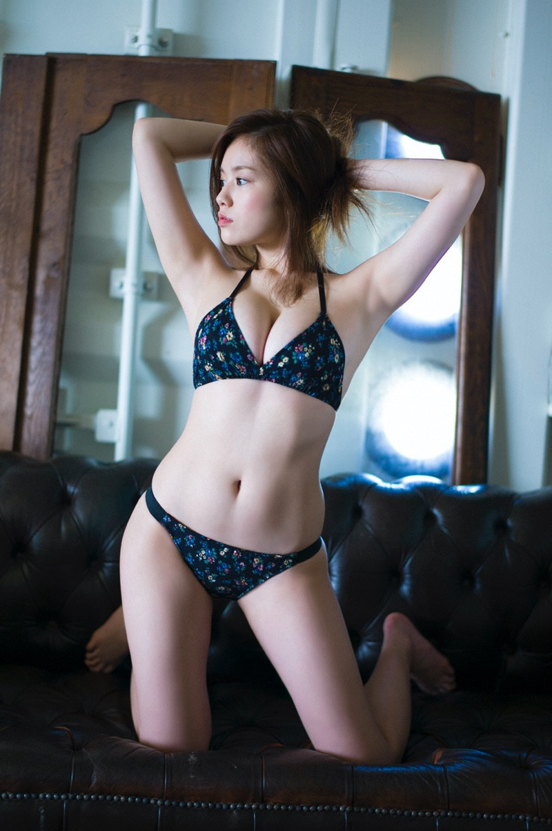 【筧美和子グラビア画像】日本人らしい形のFカップが最高にエロくてパイズリしたくなるメチャシコモデル 40