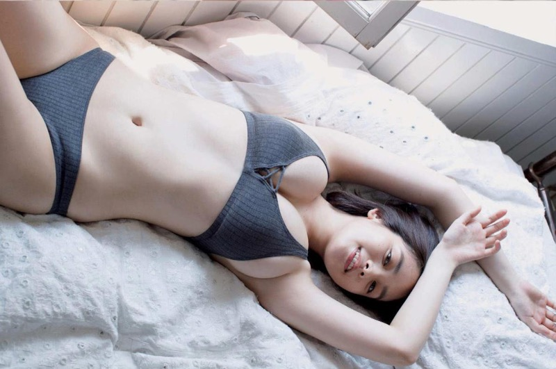 【筧美和子グラビア画像】日本人らしい形のFカップが最高にエロくてパイズリしたくなるメチャシコモデル 68