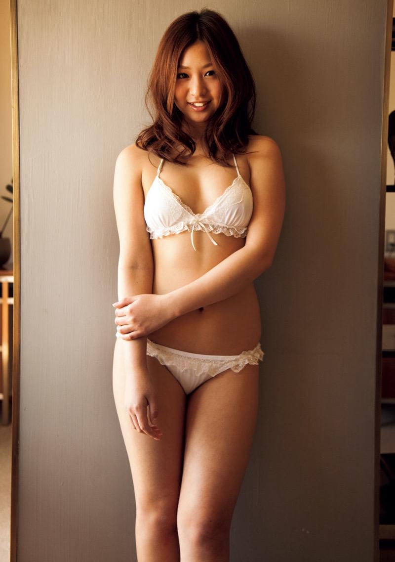 【佐山彩香グラビア画像】デビュー10周年を契機に引退を決めたグラビアアイドルの闇が深すぎた 50