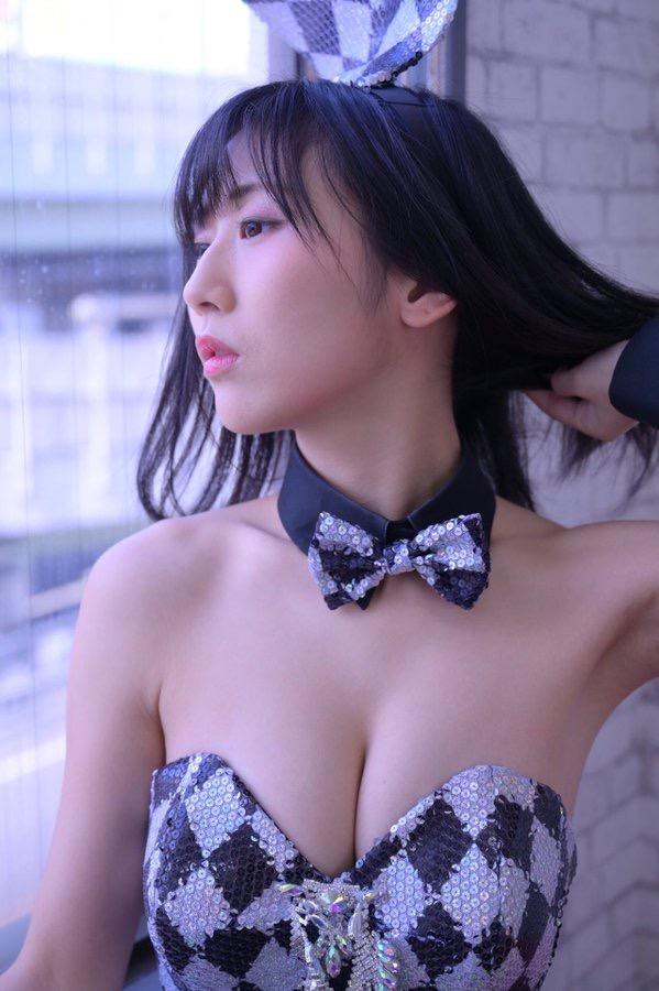 【美東澪エロ画像】Eカップ巨乳をギリギリまで見せつける年齢不詳のスレンダーグラドルが結構ヌケるwwww 55