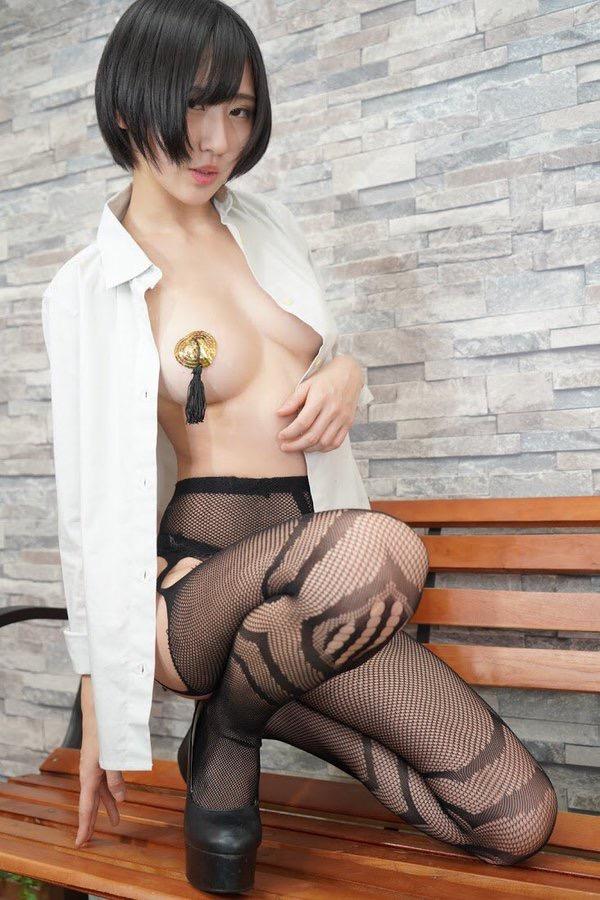 【美東澪エロ画像】Eカップ巨乳をギリギリまで見せつける年齢不詳のスレンダーグラドルが結構ヌケるwwww 72