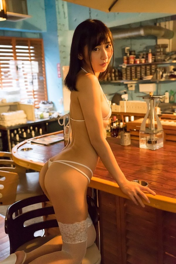 【美東澪エロ画像】Eカップ巨乳をギリギリまで見せつける年齢不詳のスレンダーグラドルが結構ヌケるwwww 84
