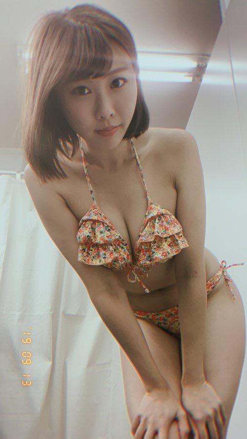 【川島愛里沙エロ画像】ビキニの紐が重みで切れてオッパイポロリしてしまいそうなたわわなGカップ巨乳 10
