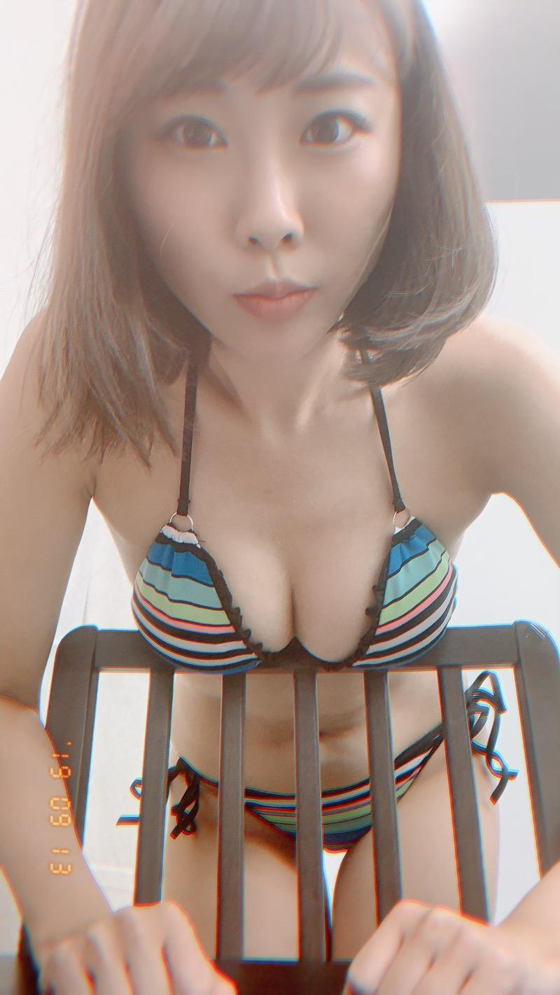 【川島愛里沙エロ画像】ビキニの紐が重みで切れてオッパイポロリしてしまいそうなたわわなGカップ巨乳 43