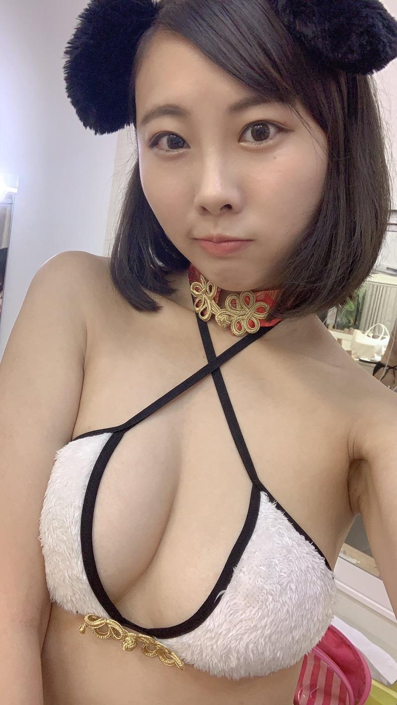 【川島愛里沙エロ画像】ビキニの紐が重みで切れてオッパイポロリしてしまいそうなたわわなGカップ巨乳 46