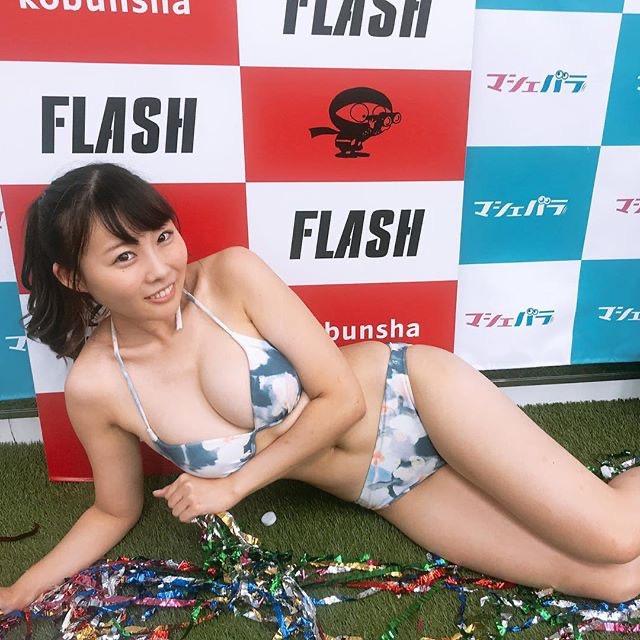 【川島愛里沙エロ画像】ビキニの紐が重みで切れてオッパイポロリしてしまいそうなたわわなGカップ巨乳 76