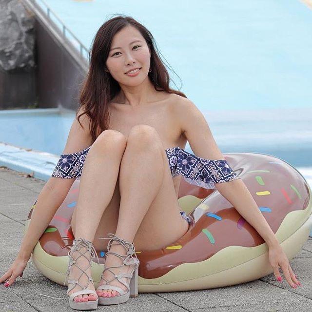 【川島愛里沙エロ画像】ビキニの紐が重みで切れてオッパイポロリしてしまいそうなたわわなGカップ巨乳 77