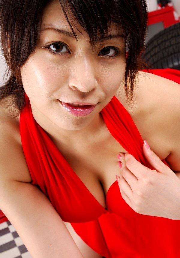 【岡田真由香グラビア画像】Kカップ爆乳のドスケベボディで男性達を悦ばせたグラビアアイドルの現在は? 34