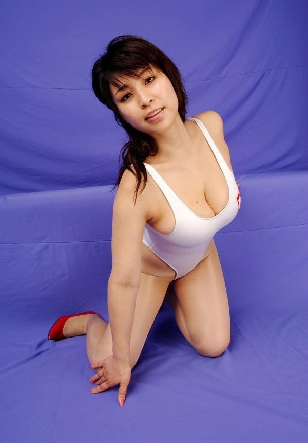 【岡田真由香グラビア画像】Kカップ爆乳のドスケベボディで男性達を悦ばせたグラビアアイドルの現在は? 39