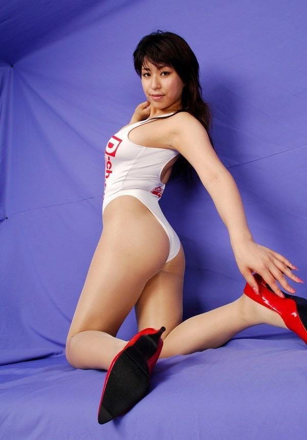 【岡田真由香グラビア画像】Kカップ爆乳のドスケベボディで男性達を悦ばせたグラビアアイドルの現在は? 40