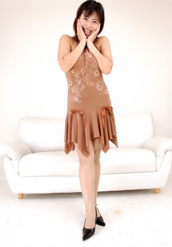 【潤音グラビア画像】Kカップの姉を持つグラビアアイドルのオッパイも負けていない大きさだった!? 44