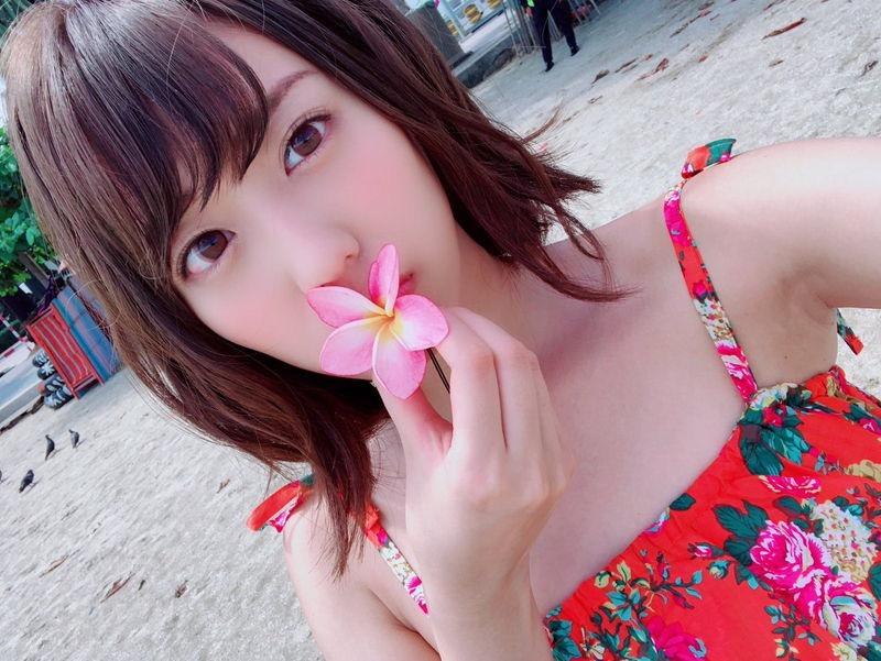 【山岸奈津美キャプ画像】元NMB48アイドルが着エロイメージビデオに出て疑似フェラしてるって本当かよwww 66