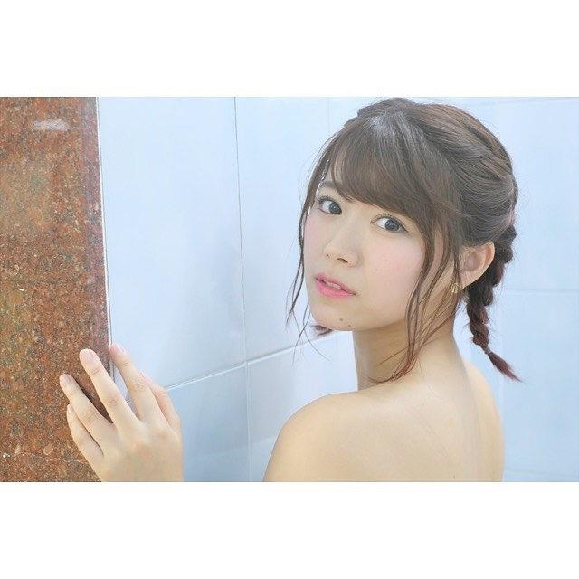 【山内鈴蘭キャプ画像】7年振りに水着グラビアへ復帰したSKE48アイドルの温泉入浴シーンがこちら! 72