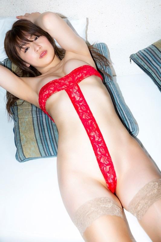 【金山睦エロ画像】グラビアアイドルの変態水着を引っ張り上げてマンコに食い込ませてイジメたい! 13