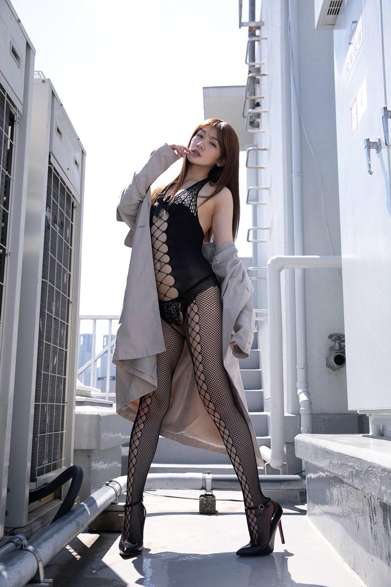 【金山睦エロ画像】グラビアアイドルの変態水着を引っ張り上げてマンコに食い込ませてイジメたい! 47