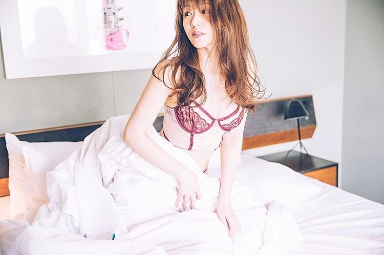 【金山睦エロ画像】グラビアアイドルの変態水着を引っ張り上げてマンコに食い込ませてイジメたい! 65